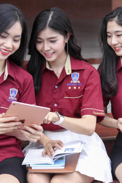 Đồng Phục Sinh Viên Đại Học Nguyễn Tất Thành 33